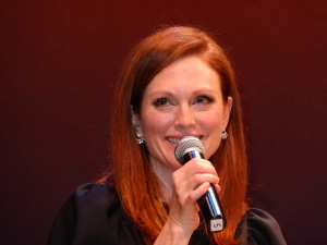 Julianne Moore smiles at the audience applause: Q & A for 'Still Alice,' the 22nd HIFF. Photo by Carole Di Tosti