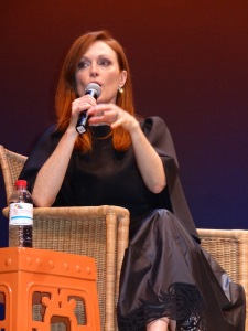 Julianne Moore answering a question about 'Still Alice.' Q & A at the 22nd HIFF. Photo by Carole Di Tosti