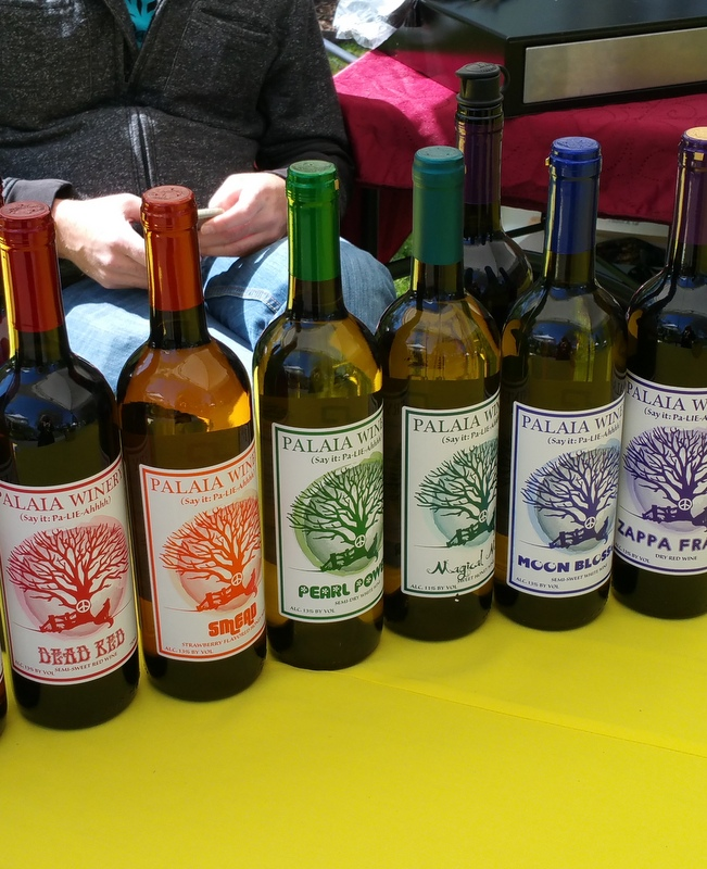 NYBG Wine Tasting at the 125th Anniversary Celebration during Daffodil weekend. Photo, Carole Di Tosti