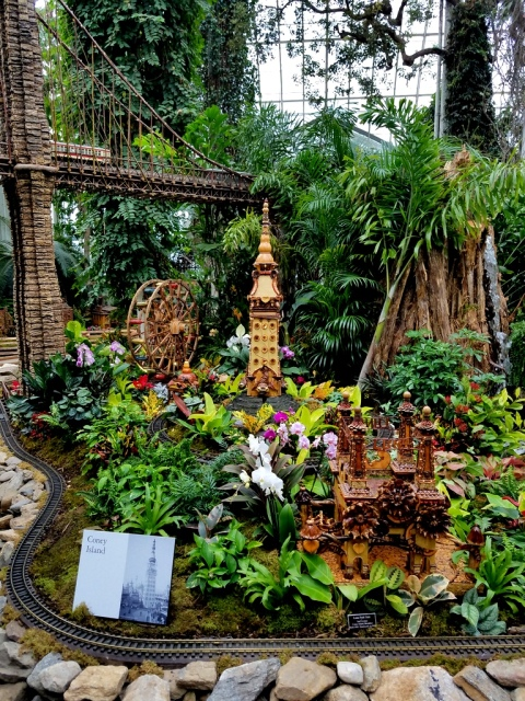 Applied Imagination, Coney Island Exhibit, Paul Busse, NYBG Holiday Train Show