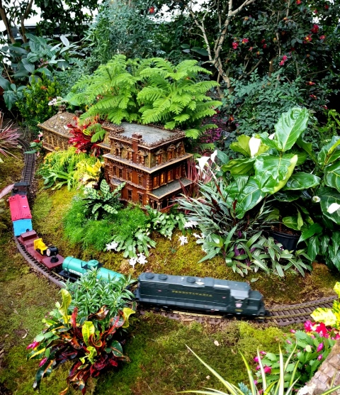 Holiday Train Show, G-scale trains, NYBG, Applied Imagination