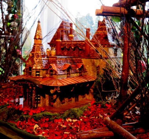 NYBG Holiday Train Show, Applied Imagination
