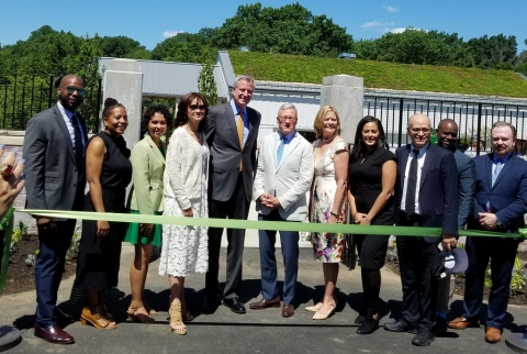 NYC Mayor de Blasio, Gregory Long, Maureen K. Chilton, Carrie Rebora Barratt, Ph.D., Edible Academy, NYBG,