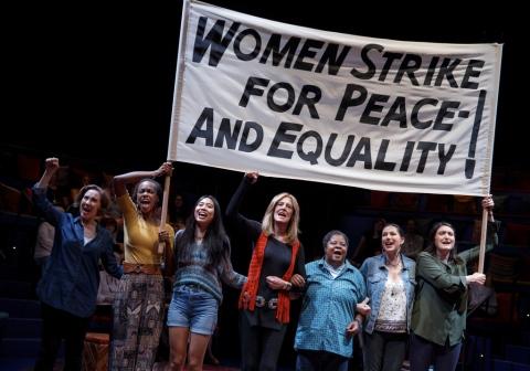 Christine Lahti, Gloria Steinem, ensemble, Gloria: A Life, Emily Mann, Diane Paulus, Daryl Roth Theatre