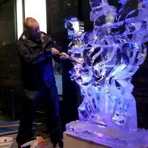 Bar Car Nights, 27th Holiday Train Show, Ice Sculptor