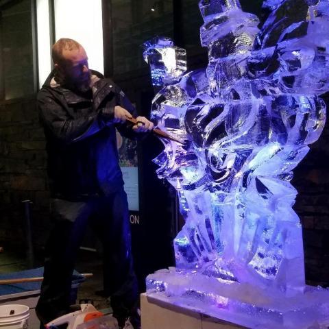 Bar Car Nights, 27th Holiday Train Show, Ice Sculptor