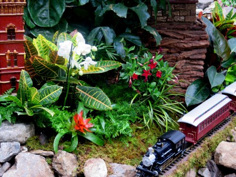 Holdiay Train Show 2018, Applied Imagination, Museum Mile Manhattan replicas