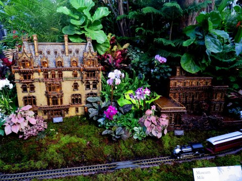 Museum Mile replicas, NYBG Holiday Train Show 2018, Applied Imagination