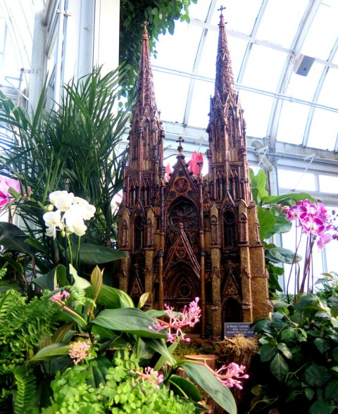 St. Patrick's Cathedral, NYBG Holiday Train Show 2018, Applied Imagination