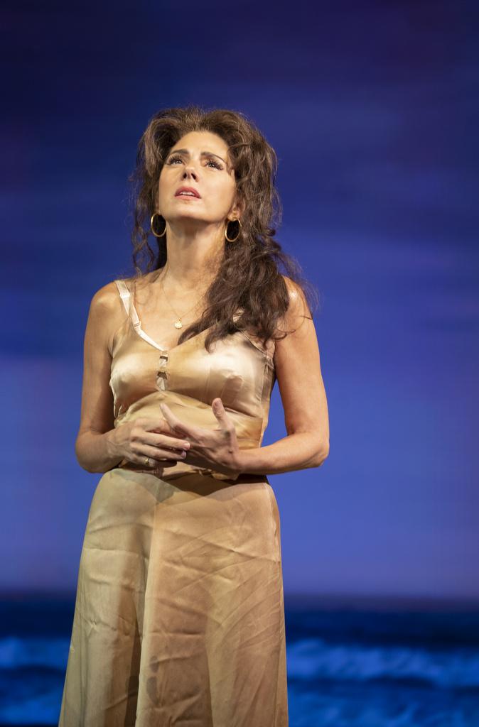 Marisa Tomei, Emun Elliott, The Rose Tattoo, Tennessee Williams, Roundabout Theatre Company, Trip Cullman, American Airlines Theatre