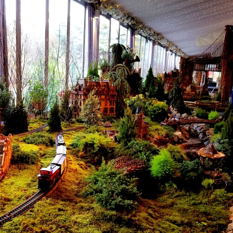 NYBG, 28th Holiday Train Show, Applied Imagination