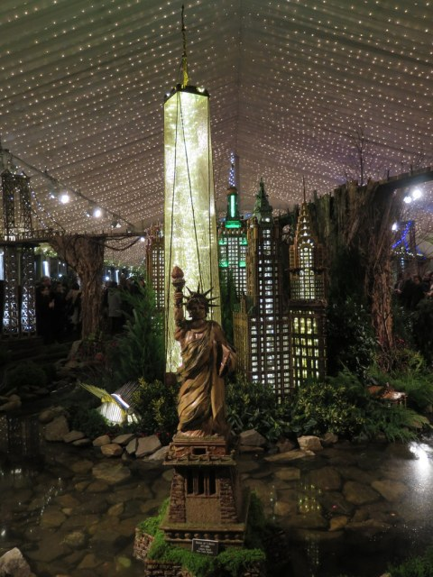 Oculus, 1 World Trade Center, Statue of Liberty, NYBG 28th Holiday Train show, Applied Imagination