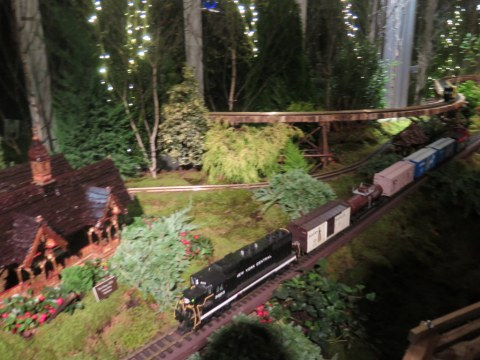 28th NYBG Holiday Train Show, Bar Car Nights